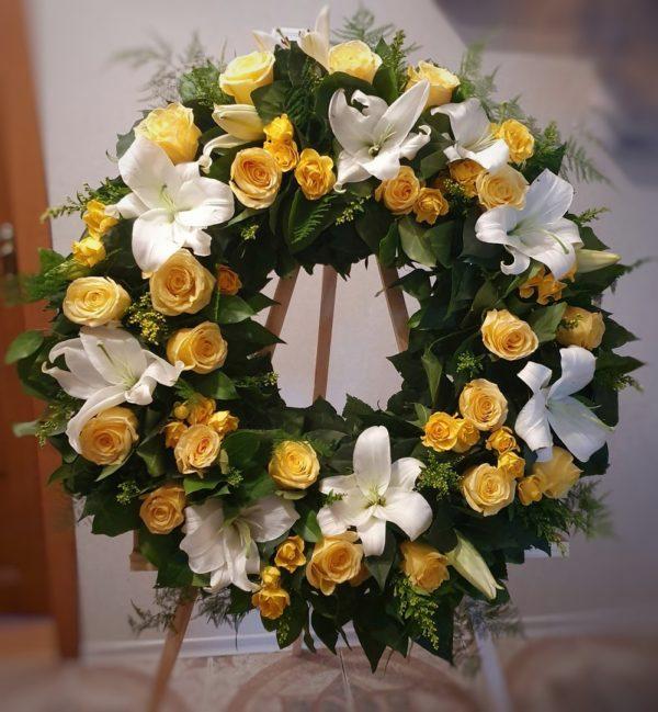 Ритуальный венок из живых цветов круглый «Закат»
