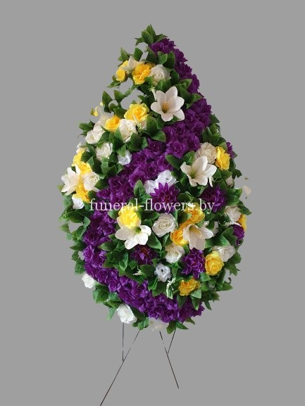 """Ритуальный венок из искусственных цветов """"Августина"""""""