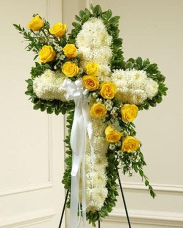 Венок из живых цветов «Крест»